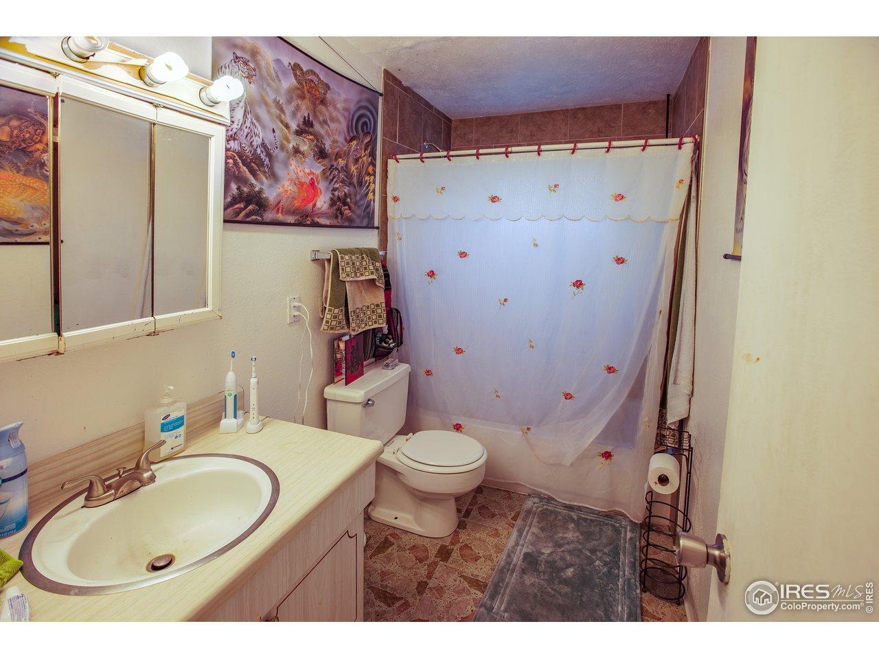 Large side upper bath