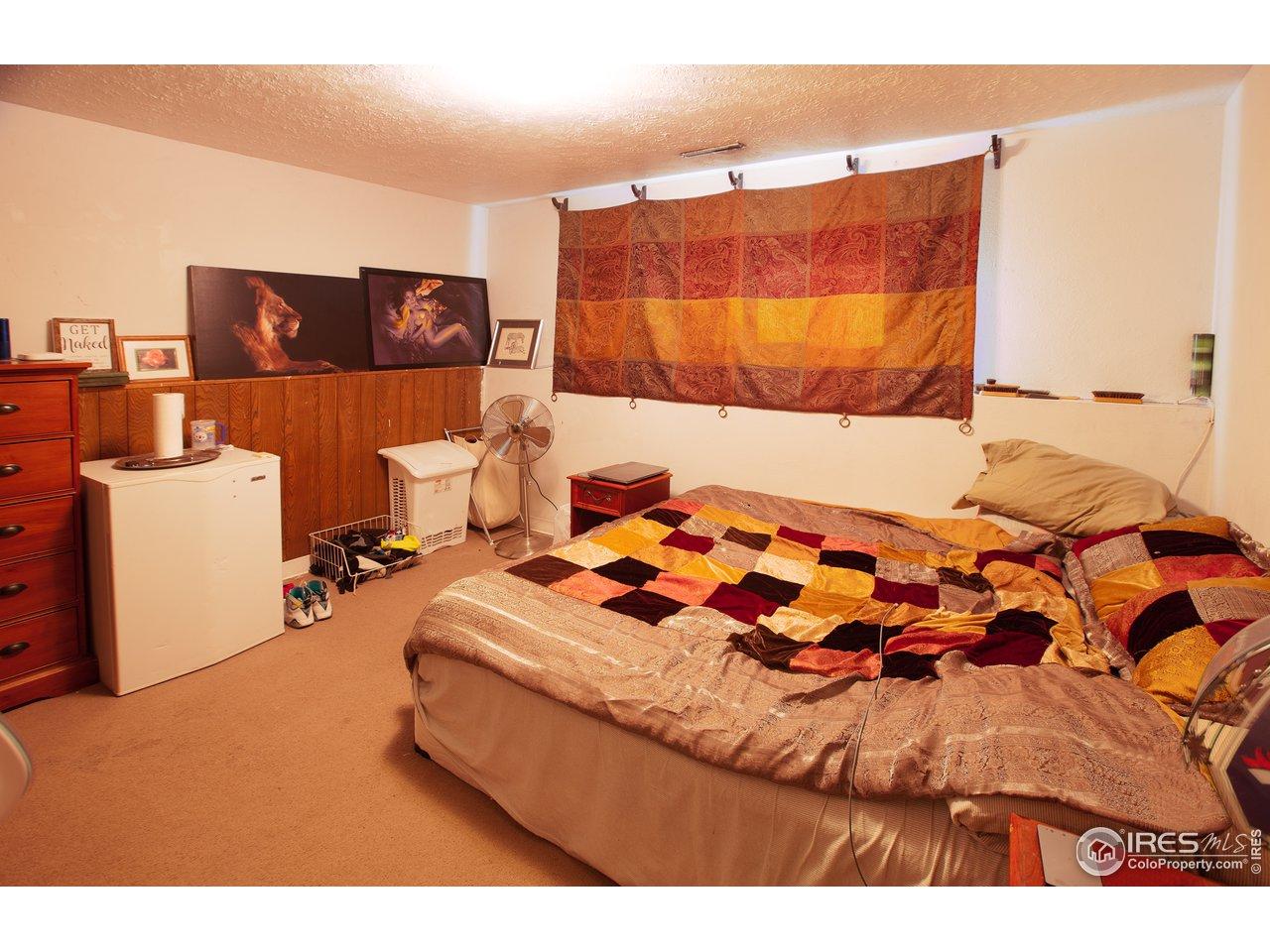 Large side lower bedroom 1