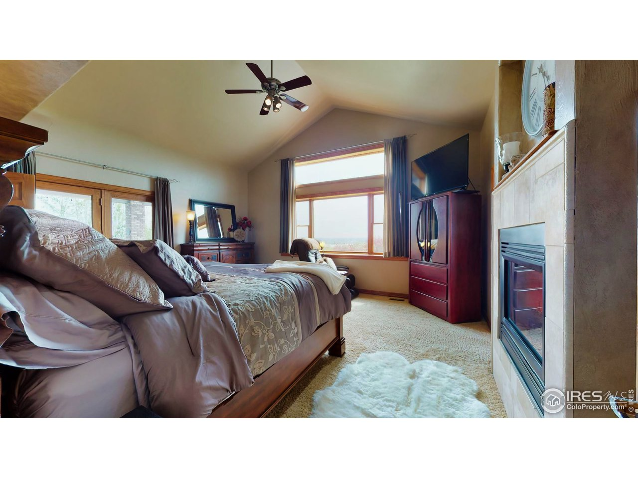 Master Suite w/Awesome Views