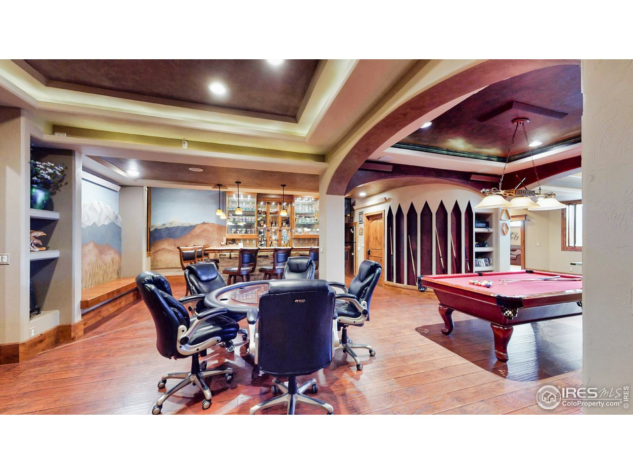 Recreation Room 10' Ceilings