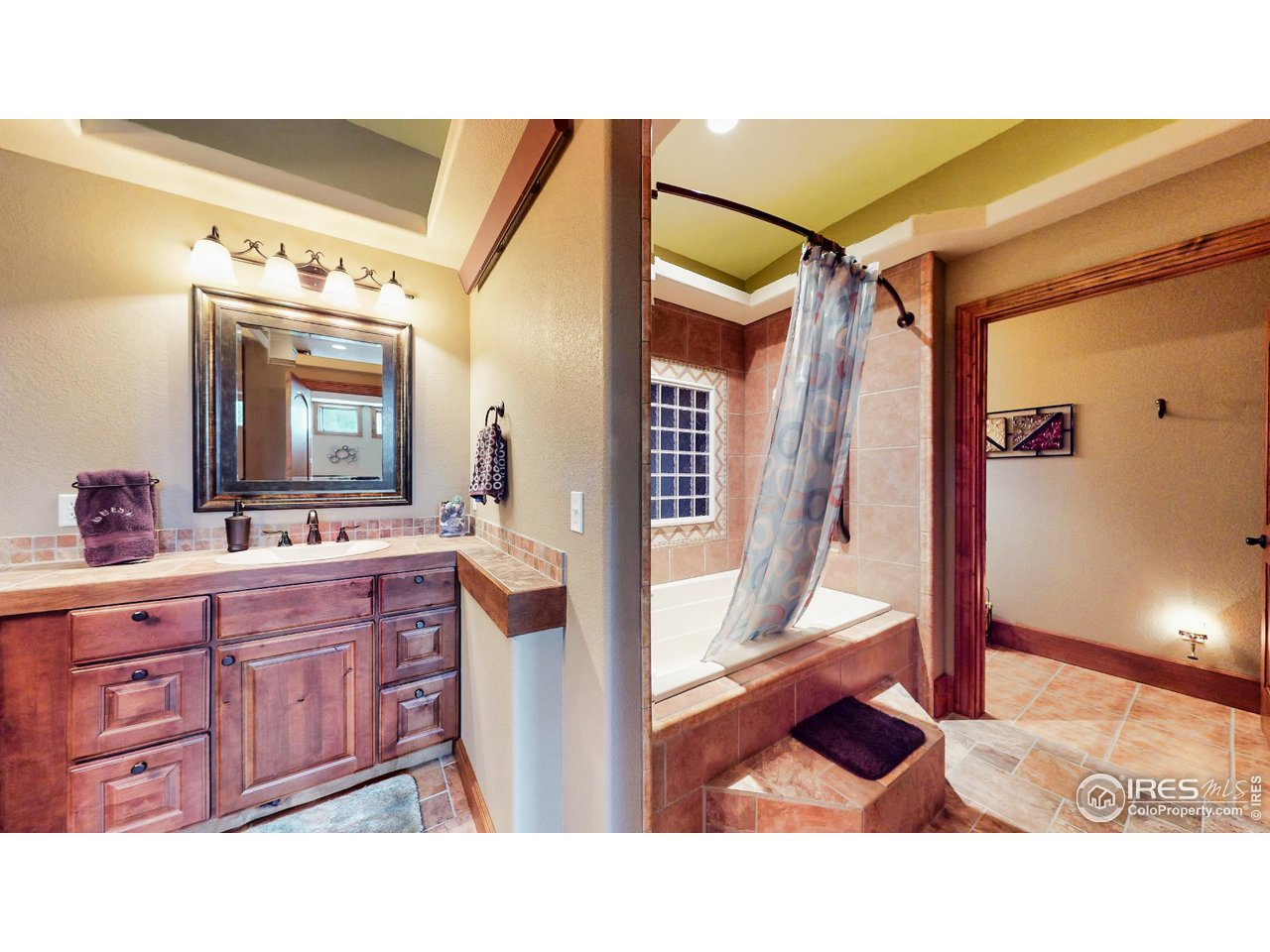 Full Bath Mother-In-Law Suite