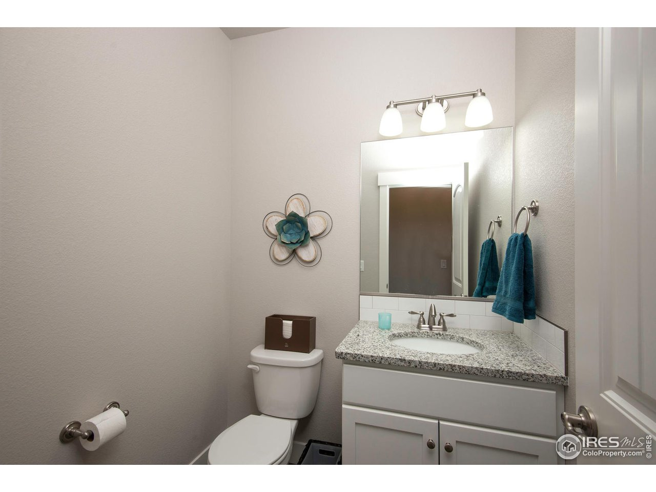 Main Flr 1/2 Bath