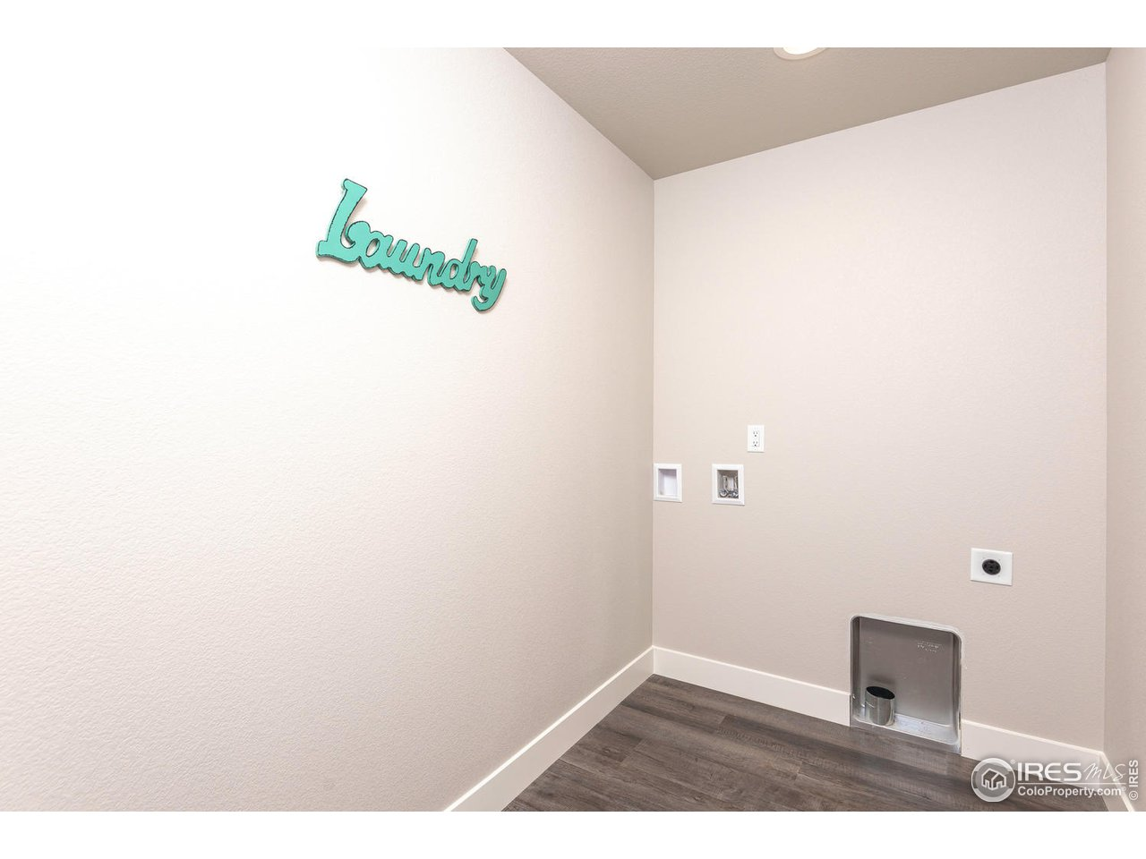 Convenient Upstairs Laundry