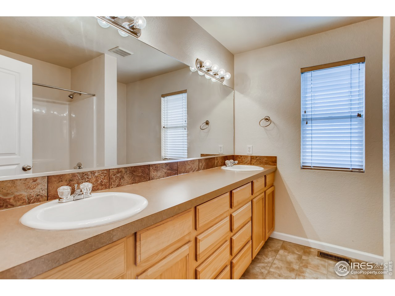 Primary Bathroom 4 Piece Bath