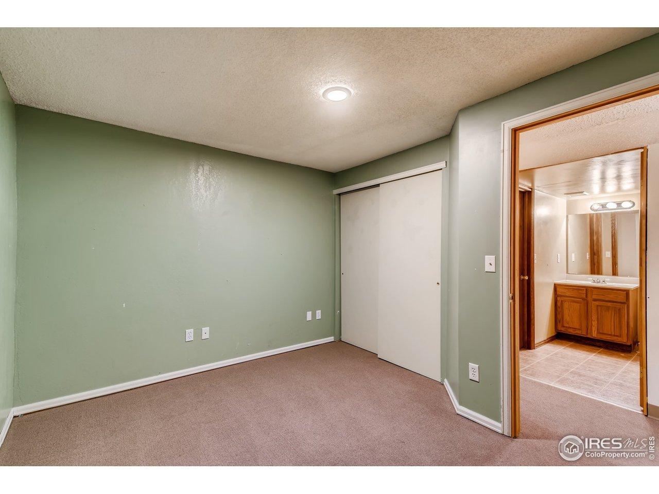 Non conforming basement bedroom and 3/4 bath